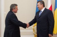 Коморовский поблагодарил Януковича за сближение с ЕС