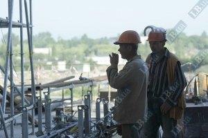 Строителям на объектах Евро-2012 не платят зарплату