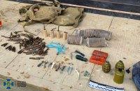 """СБУ обнаружила в """"активиста"""" со Львовщины схрон с взрывчаткой и боевыми гранатами"""