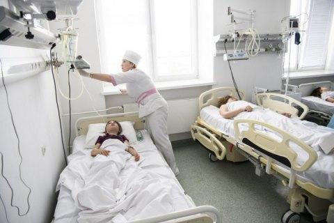 У Луцьку 10 людей госпіталізовано після відвідування піцерії