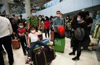 Російські авіалінії відмовилися брати на рейси з Китаю громадян інших країн