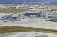 Усіх пасажирів міжнародного аеропорту Вінніпега евакуювали через загрозу безпеці
