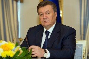 Янукович заявив, що його машину вчора обстріляли
