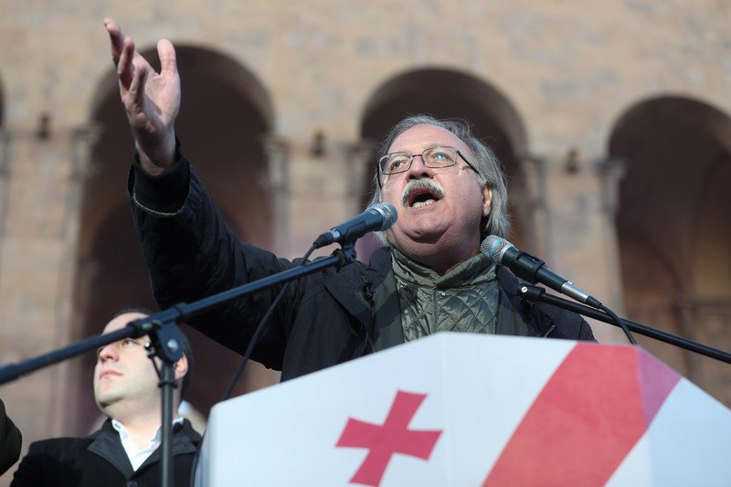 Григол Вашадзе во время митинга в Тбилиси, 02 декабря 2018