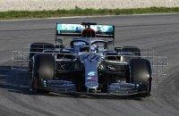 """В команде Формулы-1 """"Мерседес"""" придумали рулевое колесо, работающее как штурвал самолета"""