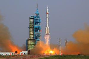 Китайский космический корабль успешно пристыковался к орбитальному модулю
