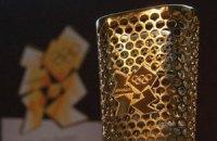 В олимпийском факеле сделали восемь тысяч дырок