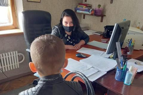 На родителей 11-летнего школьника в Харькове составили админпротокол за то, что он срывал Zoom-уроки