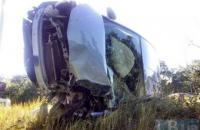 В Киеве на Столичном шоссе перевернулся автомобиль