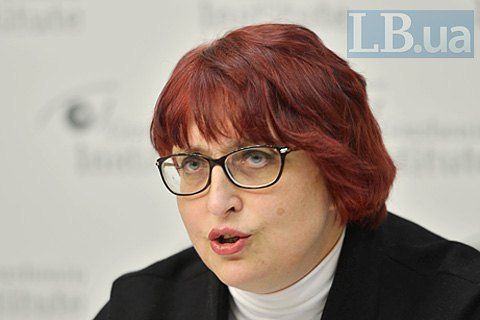 В Українській федерації страхування запропонували легалізувати проституцію і марихуану заради пенсіонерів