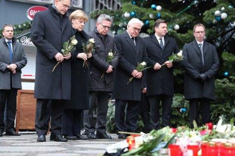 Меркель відвідала місце теракту в Берліні