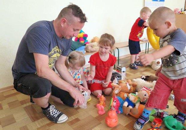 Жадан відвідав дитячі садочки Станиці Луганської