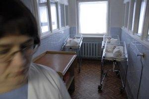 Украинцы стали реже отказываться от новорожденных