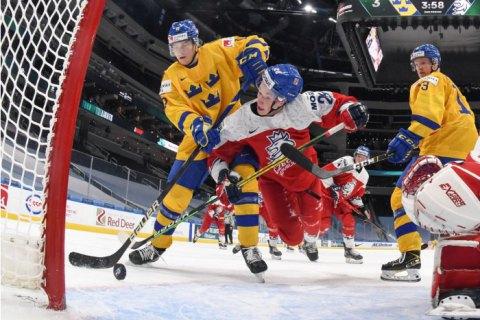 На молодежном чемпионате мира по хоккею сборная Швеции продолжила свою фантастическую рекордную серию