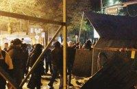 Суд признал забор вокруг стройки на Сенном рынке законным. Активисты его снесли (обновлено)