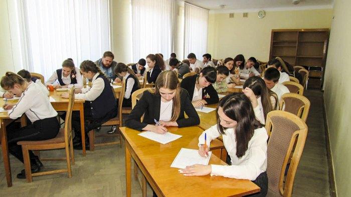 В учебных заведениях ОРДЛО продолжается учеба