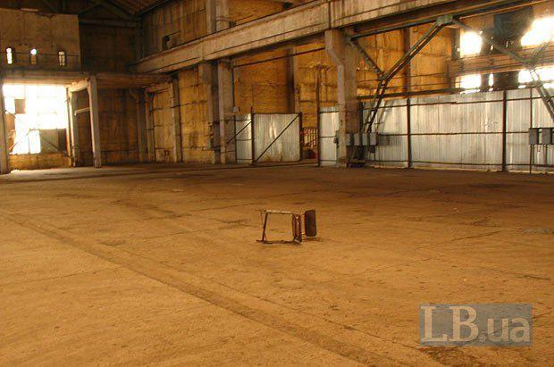 На месте стула будет размещена сцена для спектаклей - как театра ДАХ, так и молодых режиссеров