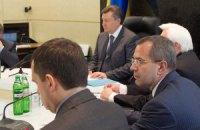 Янукович в Межигорье проводит совещание