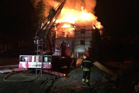 В Ужгороде горел недействующий отель