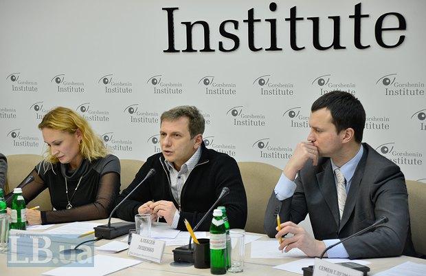 Олег Устенко(в центе) и Алексей Лещенко(справа)