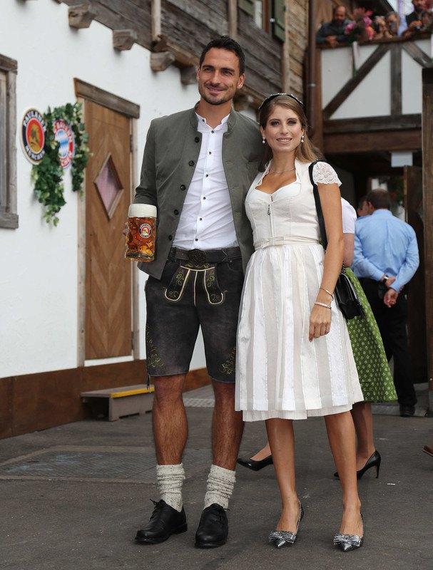 Матс Хуммельс с женой Кэти