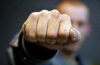 Мариупольские охранники избили иностранца