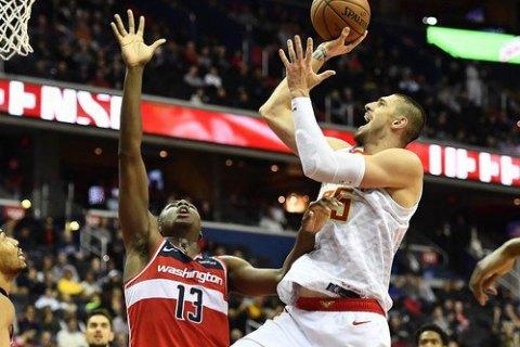 Украинец Лень в чемпионате НБА вырубил своего оппонента, после чего едва не началась драка