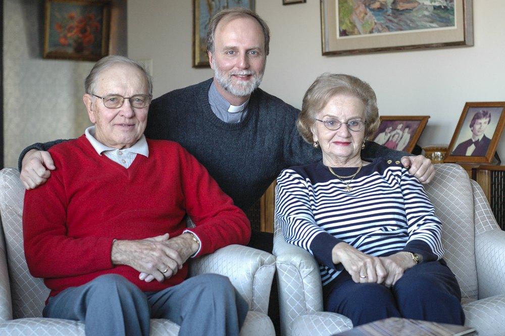Борис Ґудзяк з батьком Олександром та мамою Ярославою