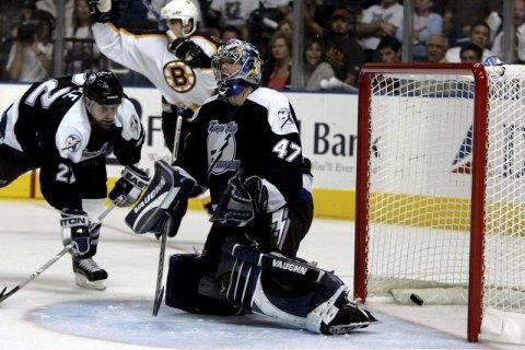 Победитель регулярного чемпионата НХЛ установил антирекорд, не выиграв ни одной игры в плей-офф Кубка Стэнли