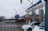 """Мер Чернівців пообіцяв відновлення роботи Калинівського ринку, попри """"червону"""" зону"""