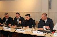 Зеленський вирішив терміново викликати в Полтаву міністра інфраструктури і голову УЗ через скарги Крюківського вагонзаводу
