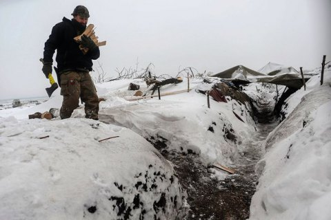 Окупанти вісім разів відкривали вогонь по українських позиціях на Донбасі