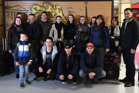 ВМЗС вимагають реакції на візит німецьких школярів вокупований Крим