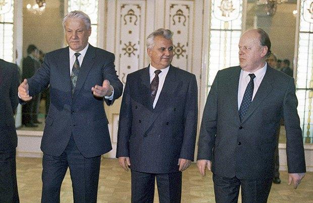Борис Ельцин, Леонид Кравчук и Станислав Шушкевич