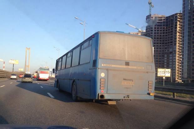 Автобусы, на которых приехали в Киев участники митинга