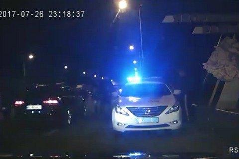 На пропускному пункті на кордоні з Польщею напали на патрульних поліцейських