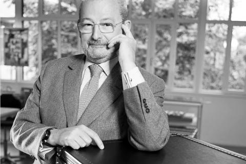 Во Франции умер легендарный модельер Патрик-Луи Виттон
