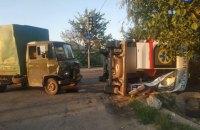 """У Дніпрі вантажівка протаранила """"швидку"""" з пацієнтом, постраждали п'ятеро людей"""
