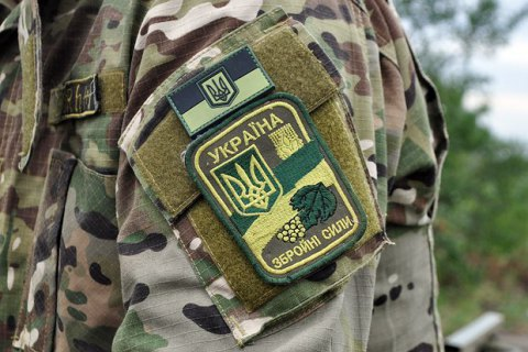 Депутати пропонують штрафувати за незаконне носіння військової форми з шевронами ЗСУ