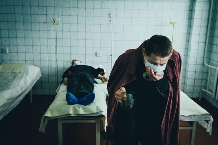Прийом ліків в тубдиспансері, Жданов