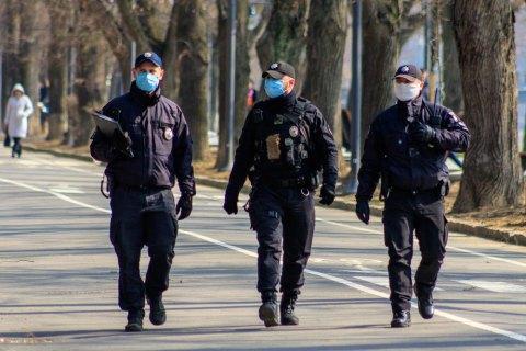 Дотримання ізоляції українцями, які повернулися з-за кордону, перевірятиме поліція