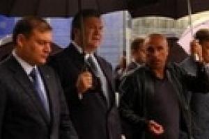 Добкин и Ярославский провели экскурсию для Януковича