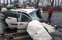 На трасі Київ - Чоп у ДТП з трьома авто загинули двоє людей