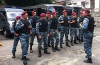 Милиция ожидает решения суда для сноса палаток на Крещактике