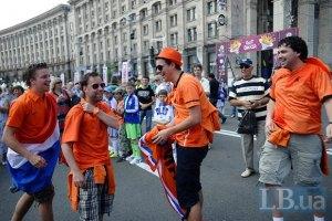 Сегодня в Украину прибудут еще почти 6 тысяч болельщиков