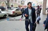 Представителя Харьковского горсовета облили зеленкой после суда о переименовании проспекта Григоренко
