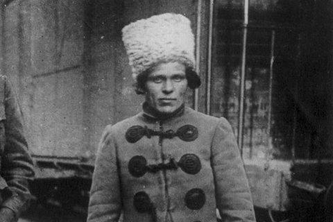 Внучатый племянник Махно дал согласие на возвращение праха предка в Украину