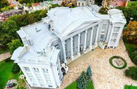 Национальный музей истории Украины в суде требует снести незаконно построенную часовню на своей территории