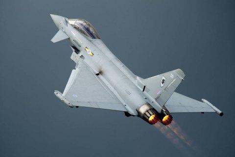 Винищувачі Британії перехопили два російські літаки біля берегів Шотландії