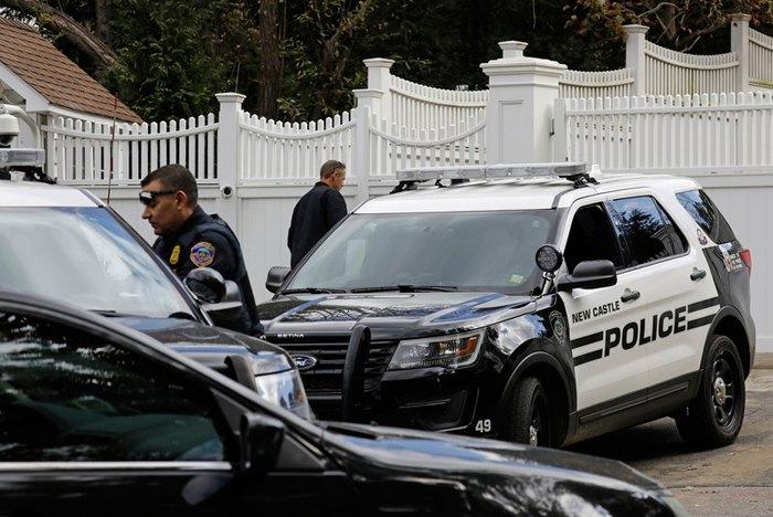 Полиция возле дома Клинтонов в Чаппаке, США, 24 октября 2018